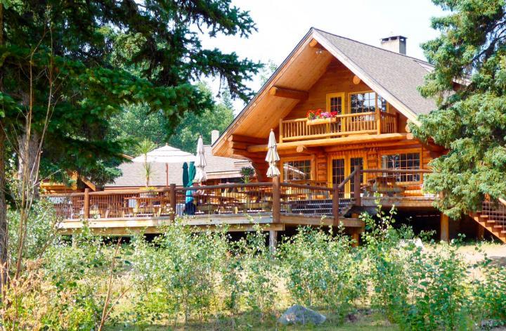 Ten-ee-ah Lodge