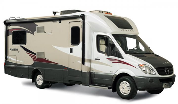 25 Navion iQ Diesel/Slide - Coach
