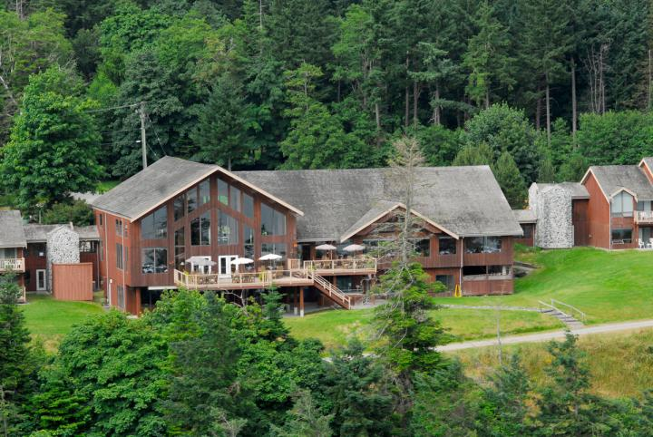 Tsa-Kwa-Luten Lodge 16.09.2019 - 12.10.2019 | 1 Person im Zimmer (Single) | Lodge Room