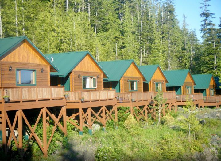 Bear Cove Cottages