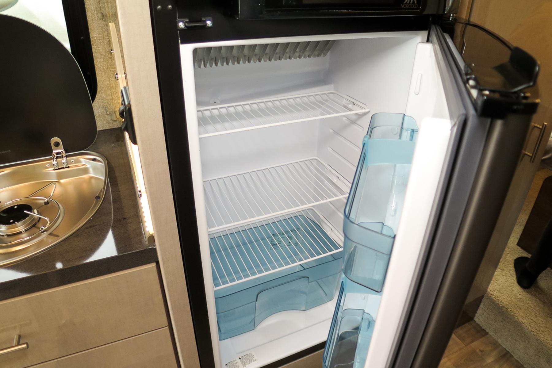 Kühlschrank Klein Mit Gefrierfach : Kanada spezialist sk touristik kühlschrank gefrierfach